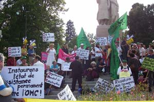 Protest in front of the WTO